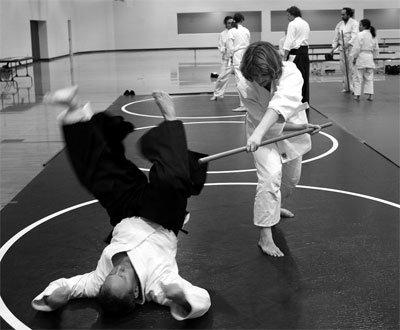 lucha con armas en aikido