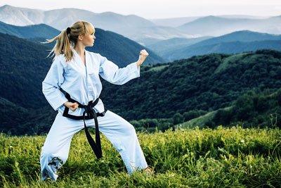 karate chino para mujeres